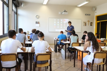 liceo_aula_persone